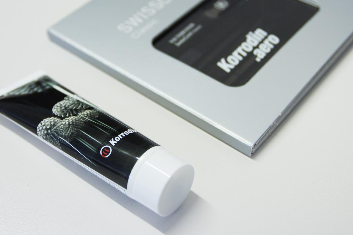 3D-Visualisierung auf Werbemittel wie Cremetube und Tool Kit
